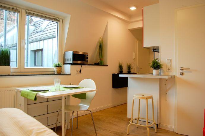 J4 Belgisches Viertel, saniertes sehr ruhiges Apartment, möbliert