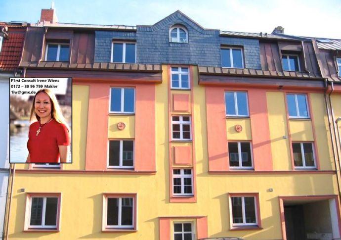 ~ Stilvoll: Parkett, Badewanne, Balkon ~