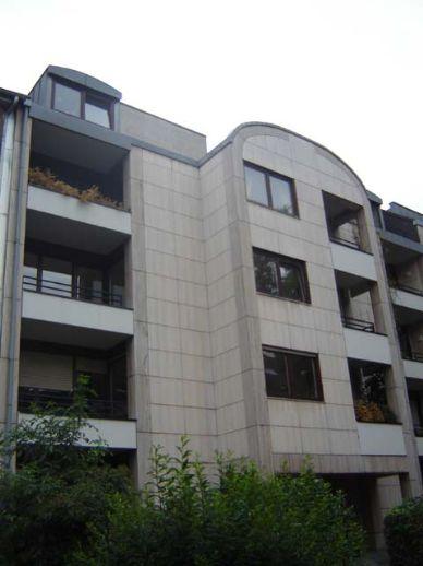 Ideal für die kleine Familie -  3  Zimmer - moderne Einbauküche - Balkon