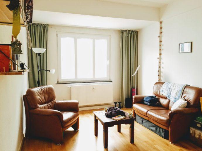 Bright 2 room (plus EBK) apartment in Oberbilk