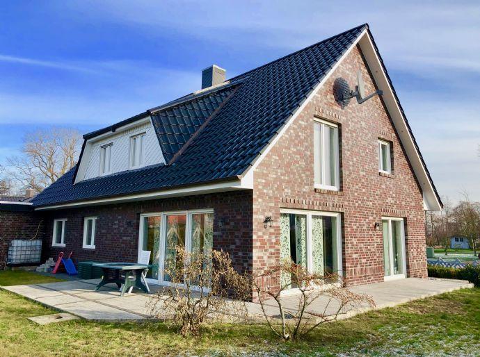 FALK-LIVING Kaufen statt bauen - neuwertiges 1-2 Familien-Traumhaus