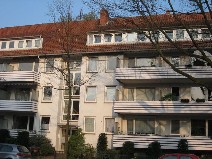 3 Zimmer Wohnung mit kleinem Balkon, Nähe Bürgerpark/Uni in Schwachhausen