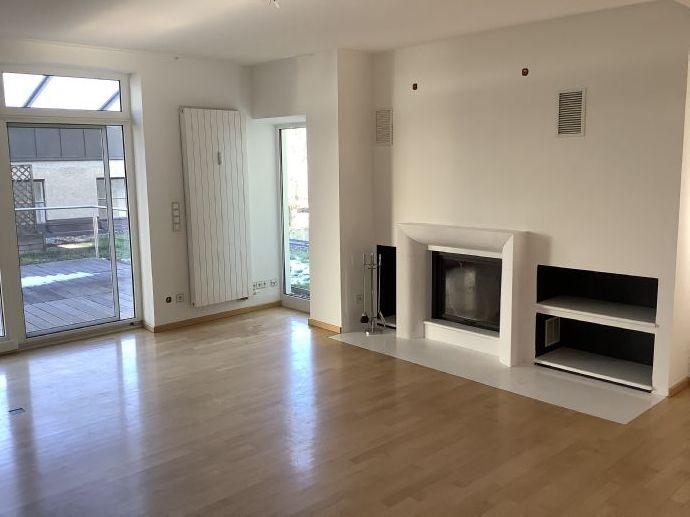 großzügige 5-Zimmer-Wohnung mit Terrasse