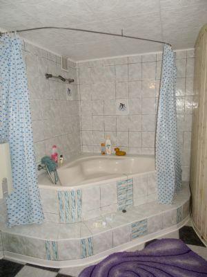 Badewanne im ausgebauten Keller