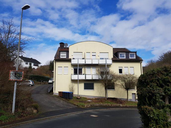 Ruhig wohnen im Grünen: Wohnung 95 qm im 1.EG incl. Balkon mit schöner Aussicht