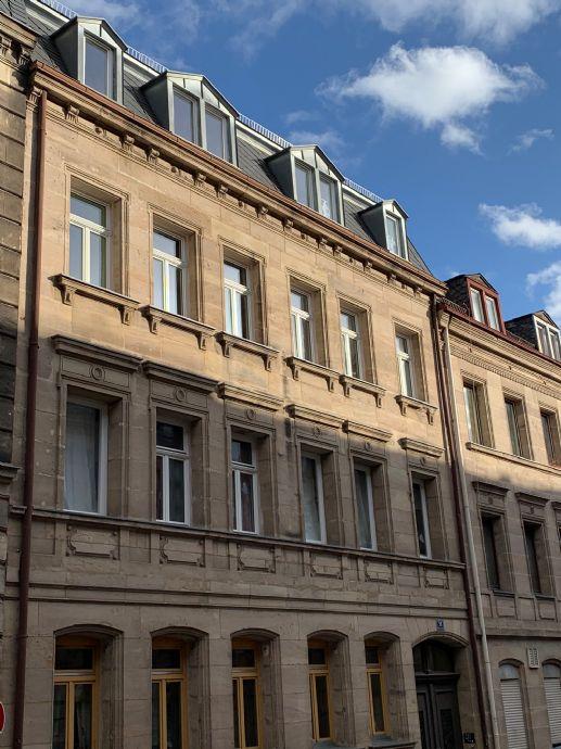 Vollständig möblierte 2-Zi-Altbau-Wohnung in der Fürther Altstadt - Erstbezug nach Sanierung!