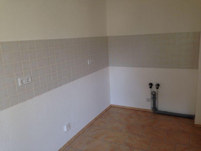 toll saniert - 2-Zimmer- Laminat- Südbalkon