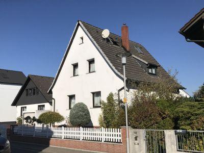 Ohne Provison! Alleinstehendes Einfamilienhaus in Top-Lage auf großem Gartengrundstück mit Garage und Carport.