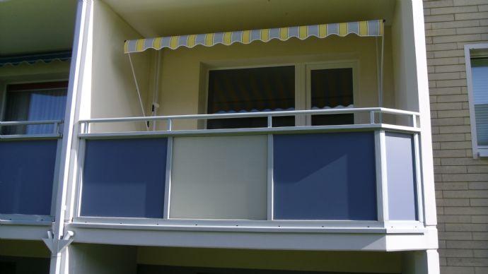 Mieter für renovierte 2 Zimmer Wohnung mit Balkon gesucht