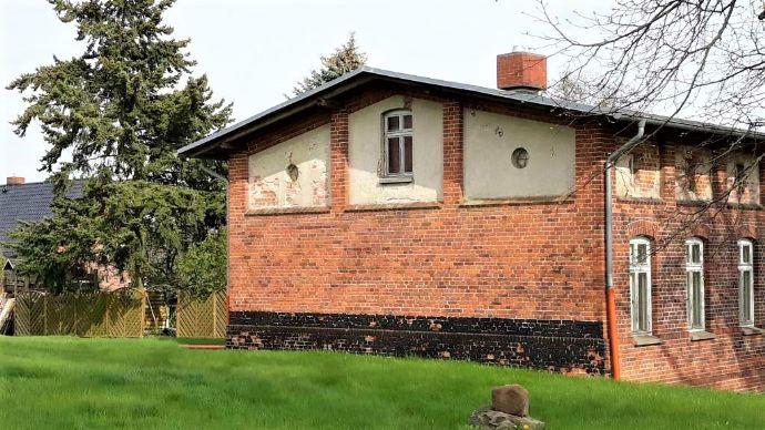 Denkmalgeschütztes Gebäude mit Bauland!