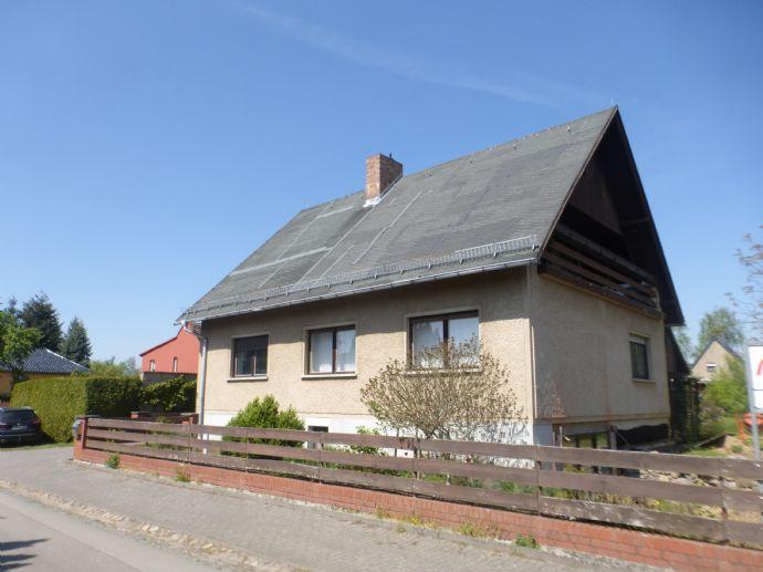 Großzügig ausgestatttetes Einfamilienhaus mit ausgebautem Vollkeller,Balkon, Werkstatt und 3400m² Grundstück in Putlitz