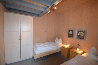 Schlafen 2 - Einzelbetten - Schrank
