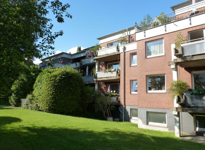 Blankenese, 4-Zi.-Wohnung - Nähe Elbe und Hirschpark, Südbalkon