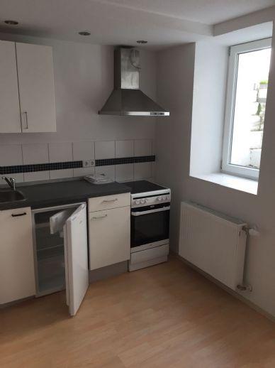 gemütliche 1,5 Zimmer Wohnung mit Einbauküche im Souterrain (Keller)