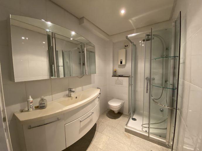 Erstbezug nach Sanierung: attraktive, helle 2-Zimmer- Whg. 80m², Hürth Efferen
