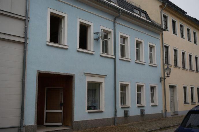 Kleines Wohn- und Geschäftshaus (auch als EFH) direkt in Hainichen!