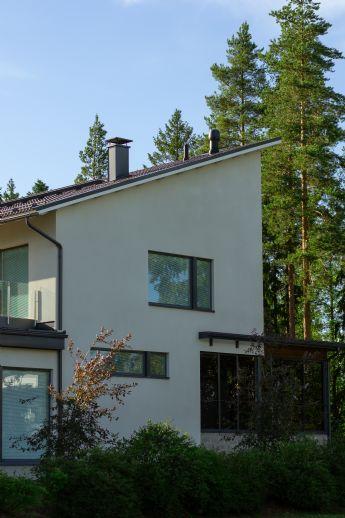 Neuwertiges Einfamilienhaus mit Garage & Garten