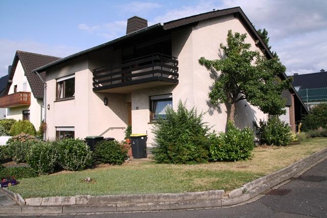 *IKC* 08/15 wohnt woanders - freistehendes Einfamilienhaus mit Split-Level Grundriss in Swisttal-Miel