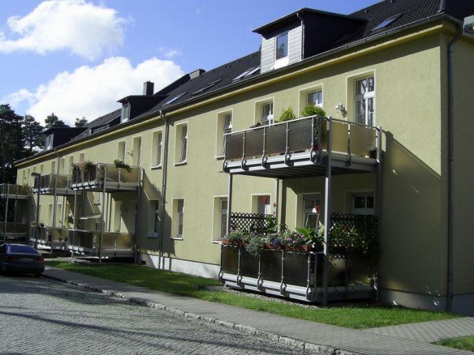 Attraktives Kaufangebot - Schön geschnittene 3-Zimmer-Wohnung mit Balkon in beliebter Wohnanlage in Roßlau
