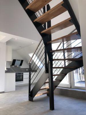 Attraktive 4,5-Zimmer- Wohnung mit Loggia und Küche in zentraler Lage