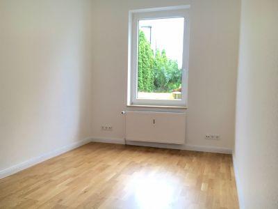 frei lieferbar neu saniert g nstiger als neubau wohnung stockelsdorf 2gyz34y. Black Bedroom Furniture Sets. Home Design Ideas