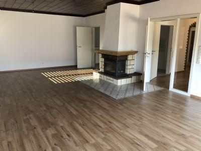 Diepholz Zentral Freibad- und Stadtparknah; 4-Zimmer-Wohnung inclusive neuer Einbauküche; mit Balkon; NEU Saniert