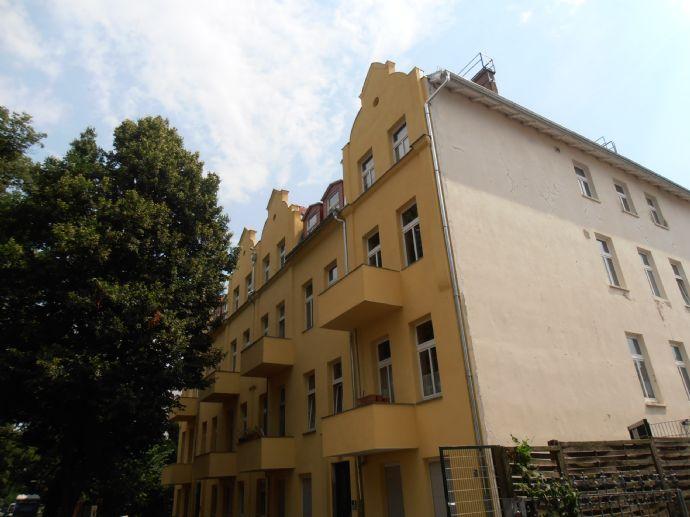 Schöne Stuck-Altbauwohnung in Berlin-Niederschönhausen zu verkaufen