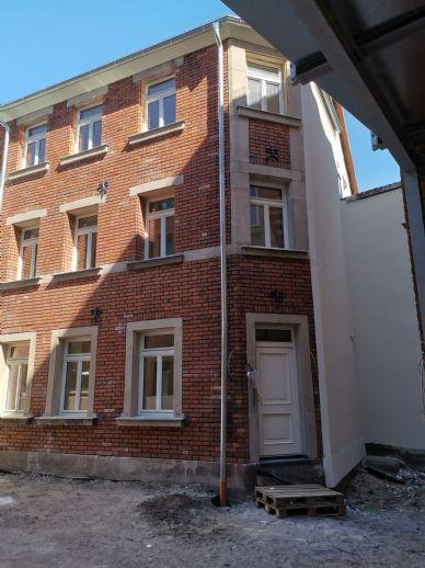 Moderne Wohnung in hochwertig saniertem Denkmal, Rückgebäude 2.OG mit Balkon und Dachterrasse