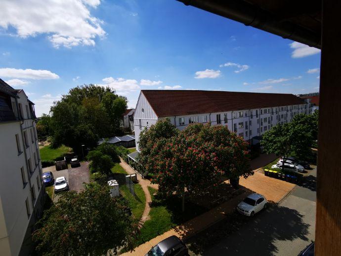 Großzügige und helle 2-Zimmerwohnung im Dachgeschoss in der Bleicherstraße von Schwerin
