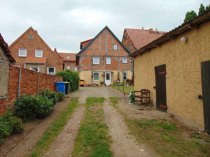 3-Familienhaus mit großem Grundstück in Rehna