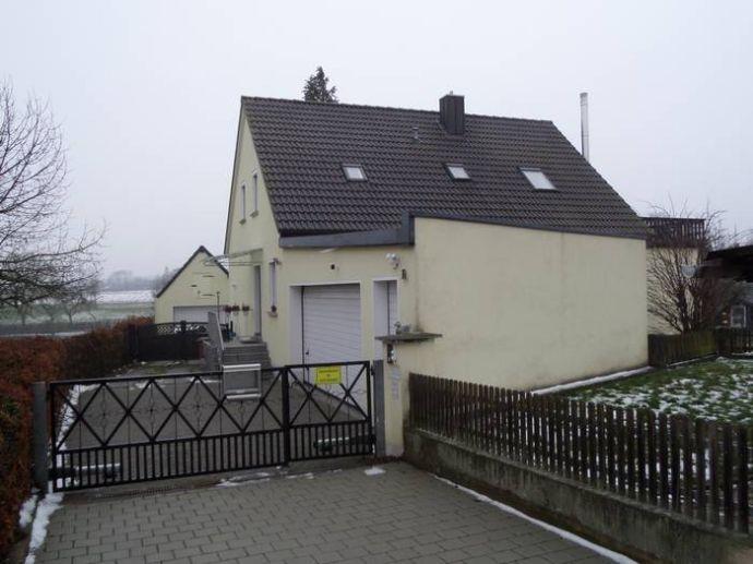 Komplett renoviertes freistehendes großzügiges Einfamilienhaus in Markt-Erlbach