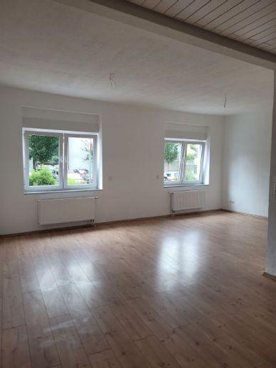 2-Zimmer-Wohnung im DG wartet auf neue Mieter