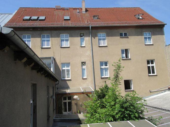Nauen- Individuelles ambitioniertes Mehrfamilienhaus mit Mehrzweckgebäude in zentraler Lage von Nauen