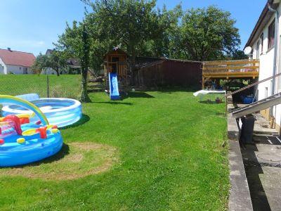 Garten zum Spielen und Relaxen
