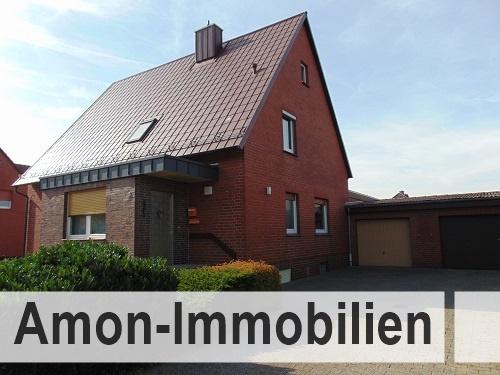 Großzügiges gemütliches Einfamilienhaus mit zwei Garagen in ruhiger Lage