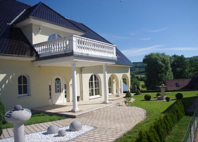 exklusive villa mit pool im lkr fo zwischen n rnberg mittelfr 0d3a19a6. Black Bedroom Furniture Sets. Home Design Ideas