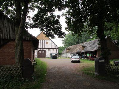 Fachwerkhof in Randlage