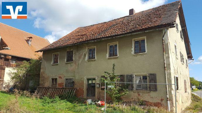 Bauland mit alten landwirtschaftlichen Gebäuden in Thalmässing - Eysölden
