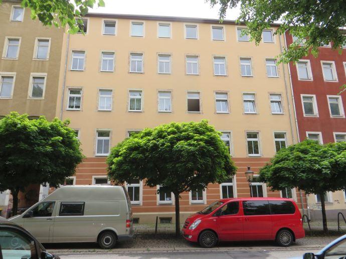 2-Raum-Wohnung mit Balkon und Einbauküche in der City