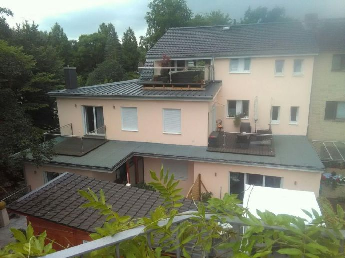 Schöne Dachgeschosswohnung 2. Etage im Grünen