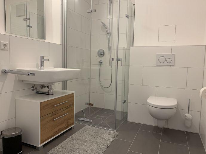 Modernes vollmöbliertes STUDIO - XL-Bad, Aufzug, zentrale Lage