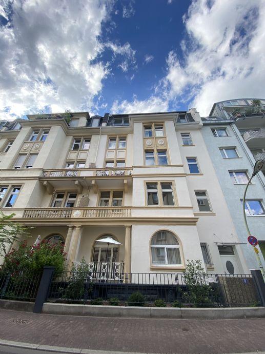 Charmante, sanierte 4-Zimmer-Wohnung mit 2 Balkonen, Ffm.-Nordend-West