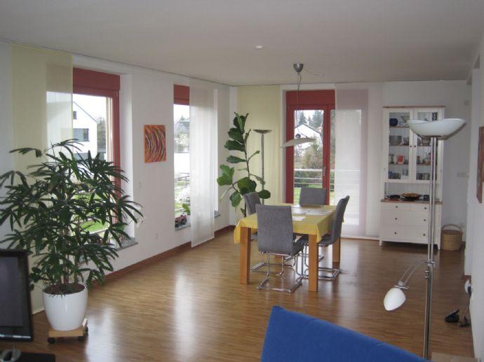 155 m² Wohnfläche, 4-5 Zimmer: Hochwertig ausgestattete Maisonette-Wohnung in gesuchter Wohnlage von Bühl!