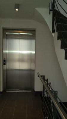 barrierefreier Zugang mit moderner Aufzugsanlage