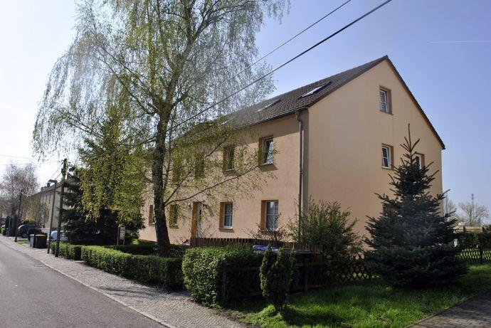 Drei-Zimmer Dachgeschosswohnung mit Loggia