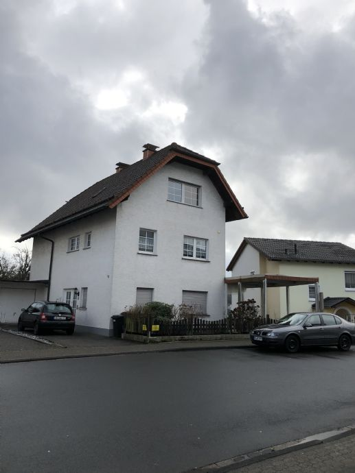 Großes Familienhaus mit Garten, Garage, Carport in guter Wohnlage in Lüdenscheid