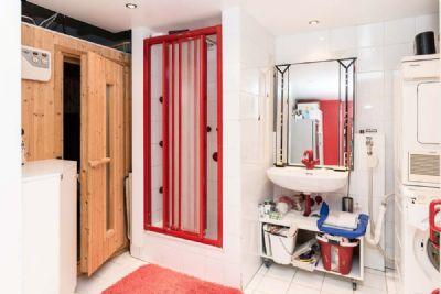 Keller mit Sauna und Dusche