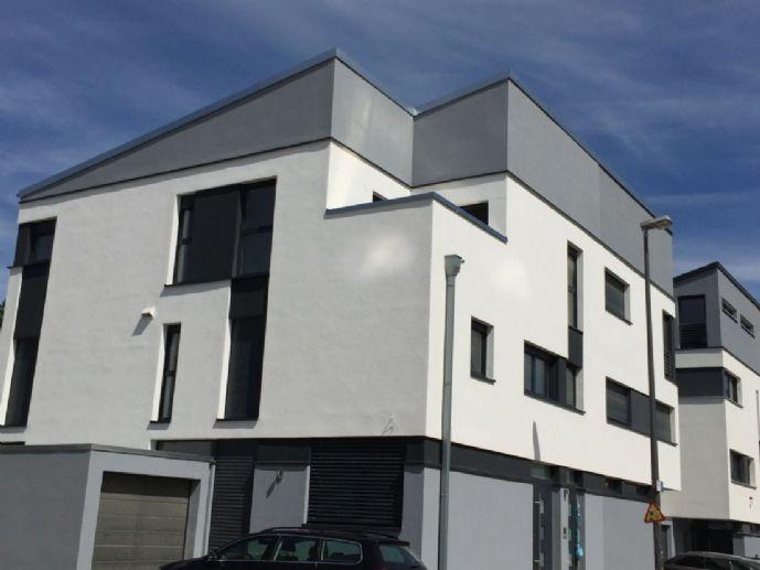 """Modern und energieeffizient wohnen im Neubau mit Terrasse und separaten Eingang am """"Alten Tivoli""""!"""