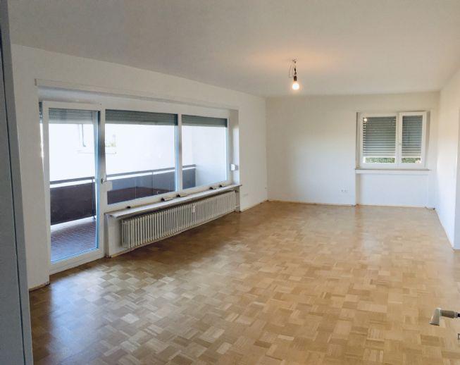 Wunderschöne, frisch renovierte 3-Zimmer-Wohnung in ruhiger Lage am Tüllinger Berg