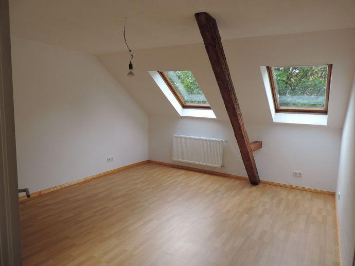 Wunderschöne, zentrale Dachgeschosswohnung - sofort frei